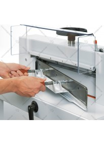 Device for replacing (installing) a guillotine knife EBA4705