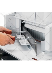 Device for replacing (installing) a guillotine knife EBA4815
